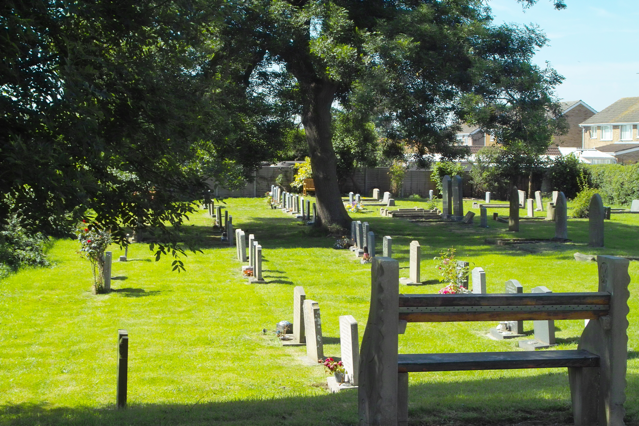 http://suttonparkandwawnechurchofengland.co.uk/wp-content/uploads/2016/08/Profile-13-St.Peters-Graveyard.jpg